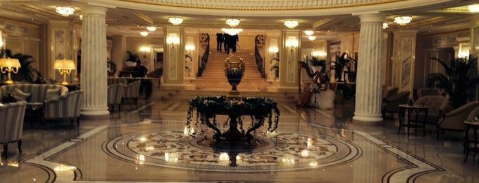 The Official State Hermitage Hotel is one of Yaroslavさんのお気に入りスポット.