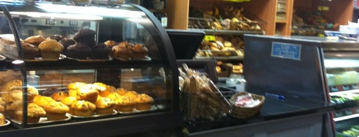 Village Bagels is one of Breakfast Places.