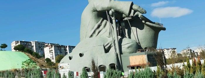 Nasrettin Hoca Parkı is one of สถานที่ที่ EGE Oto Kiralama/Rent A Car ถูกใจ.