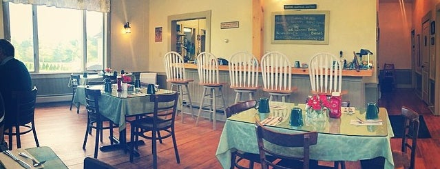 Schoolhouse Cafe is one of Concord.