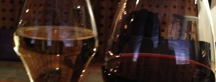 Microclimate Wine Bar is one of Posti salvati di Stephanie.