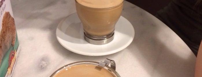 L'Angolo del Caffe is one of Tempat yang Disukai Mik.