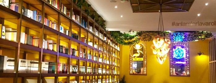 Hypatia İstanbul Kitabevi & Cafe is one of Kübra'nın Kaydettiği Mekanlar.