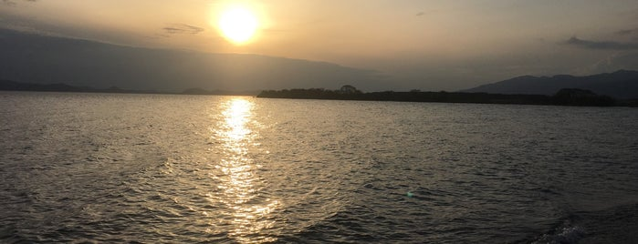 猪苗代湖 志田浜 is one of Lugares favoritos de ジャック.