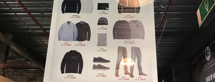Just Brands Outlet is one of Posti che sono piaciuti a Hayo.
