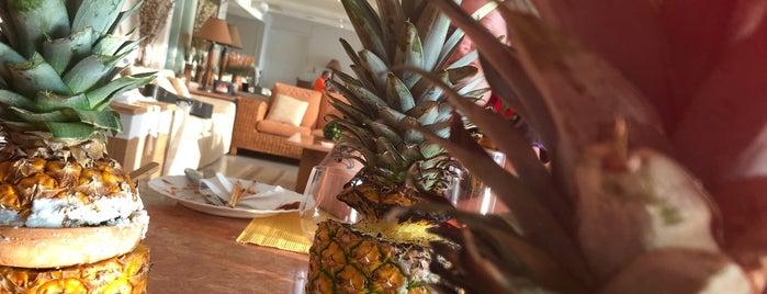 Bahía de Acapulco is one of Posti che sono piaciuti a Enrique.