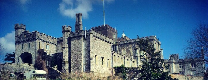 Powderham Castle is one of Carl'ın Beğendiği Mekanlar.