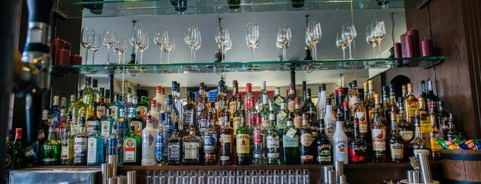 Tommy Flynn's is one of Orte, die Andrey gefallen.