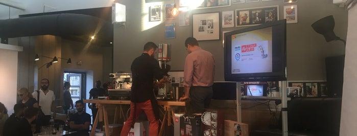 biscotto coffee+ is one of Orte, die Στάθης gefallen.