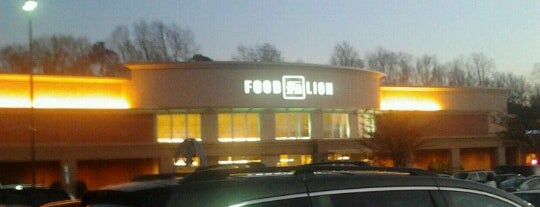 Food Lion Grocery Store is one of Pabloさんのお気に入りスポット.
