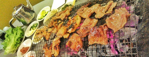 Korean Village Wooden Charcoal BBQ House is one of Joy: сохраненные места.