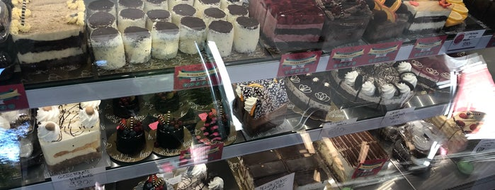 Édes Pötty is one of Healthy Cakes Places🍰.