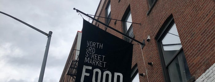 North 3rd Street Market is one of Williamsburg Weekday Favs.