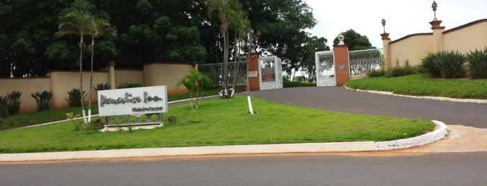 Paradise Inn is one of Orte, die Humberto gefallen.