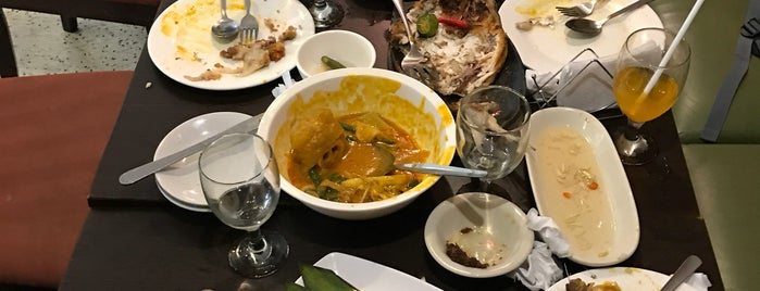 Anix's House of Kare - kare is one of Posti che sono piaciuti a Shank.