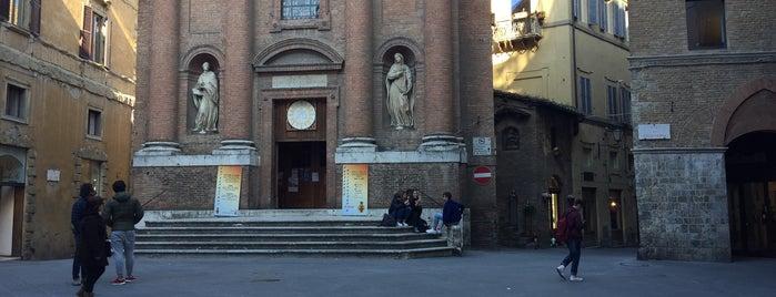 Piazza Tolomei is one of Lugares favoritos de Richard.