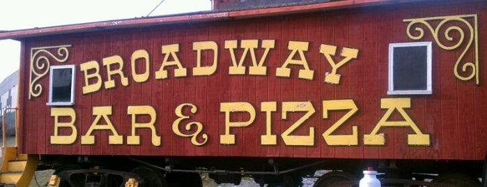 Broadway Pizza is one of Feleciaさんのお気に入りスポット.