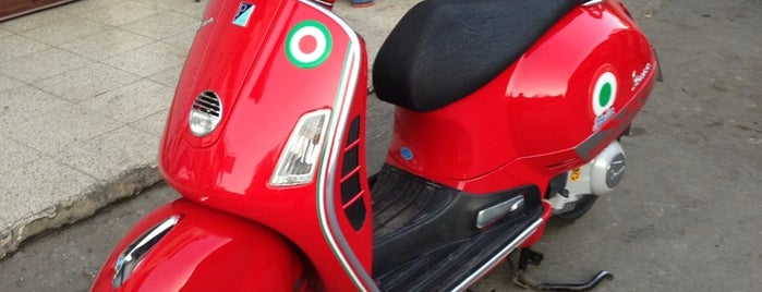 Arif Usta Vespa Service is one of Papyon Cicek / Kemerさんのお気に入りスポット.