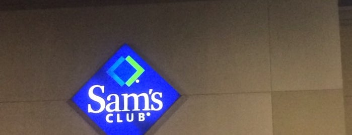 Sam's Club is one of Clarkさんのお気に入りスポット.
