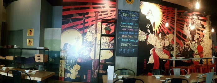 Sonie Sushi & Bar is one of สถานที่ที่ Pupeow ถูกใจ.