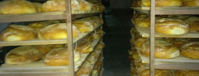 karakoç ekmek fırını is one of Tempat yang Disukai Onur.