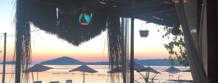 Kiraz Mini Motel Beach & Restaurant is one of Orte, die Ali Engin gefallen.