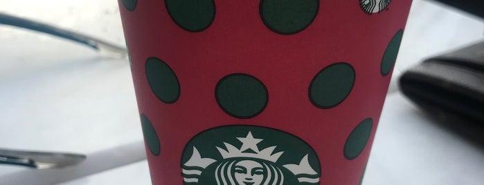 Starbucks is one of สถานที่ที่ Mertesacker ถูกใจ.