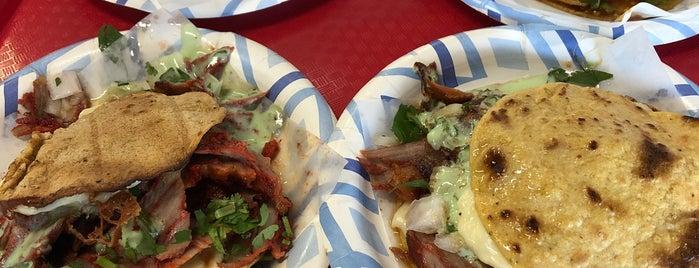 Tacos El Gordo is one of สถานที่ที่ Sarah ถูกใจ.
