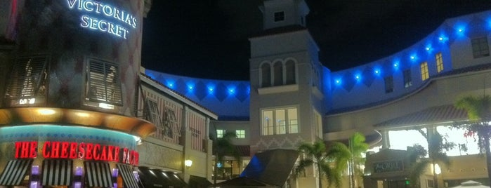 Aventura Mall is one of Mia🐬.