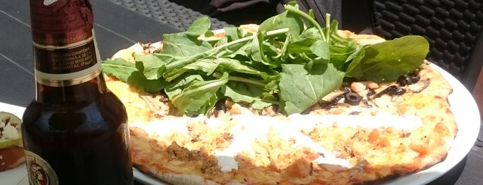 El Punto Pizzeria is one of Lieux qui ont plu à Hector.