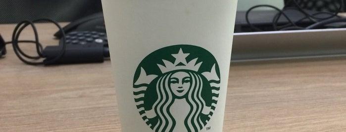 Starbucks is one of Andy 님이 좋아한 장소.