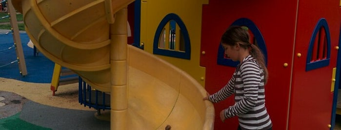 Детская площадка👫 is one of Locais curtidos por Rita.