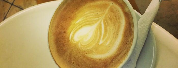 La Octava Cafe is one of Nikaさんの保存済みスポット.