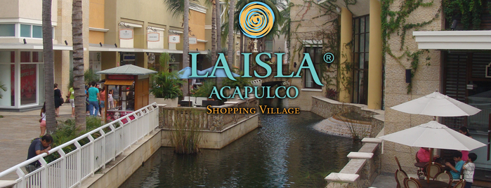 La Isla Acapulco Shopping Village is one of Tempat yang Disukai Ricardo.