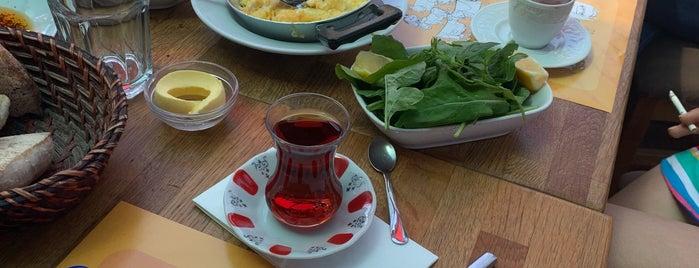 Muhlama Karadeniz Mutfağı is one of สถานที่ที่บันทึกไว้ของ Onur Emre🔱.