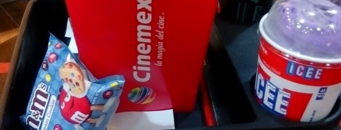 Cinemex is one of Orte, die Carlos gefallen.