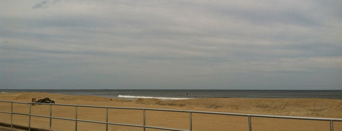 Bradley Beach Boardwalk is one of Lizzie 님이 저장한 장소.