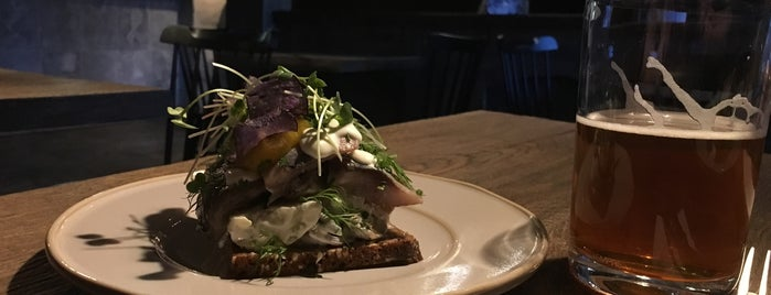 Smørrebrød is one of Locais curtidos por Anna.
