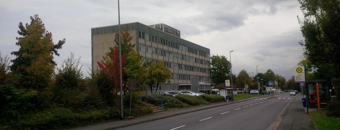 Federal Mogul Europe HQ is one of Orte, die Tomek gefallen.