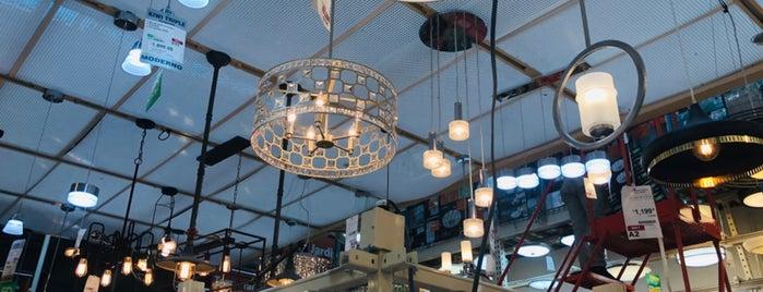 The Home Depot is one of Lugares favoritos de Armando.