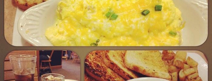 The Egg & I Restaurants is one of Lieux qui ont plu à Matt.