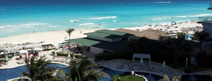 Sandos Cancun Luxury Experience Resort is one of Lugares favoritos de Marco.