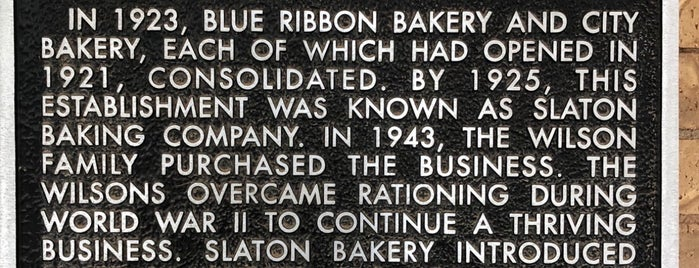 Slaton Bakery is one of Lugares favoritos de Wade.