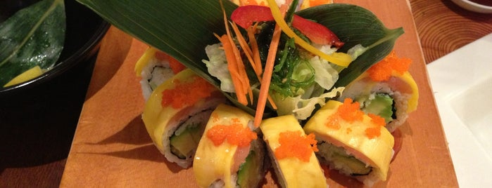 Hitoe Sushi is one of Lugares favoritos de Jennifer.