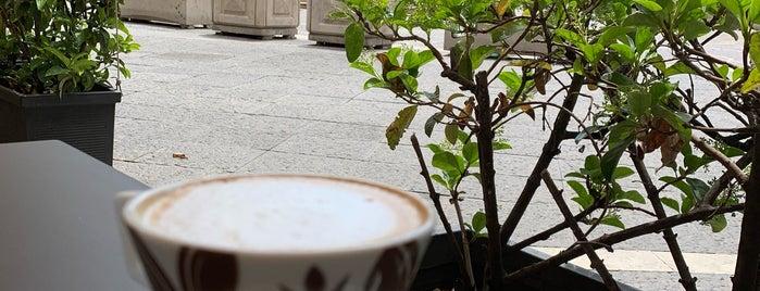 Caffè Opera is one of Enrico 님이 좋아한 장소.