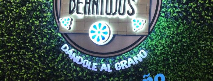 Central De Antojos is one of Lugares favoritos de Jesus.