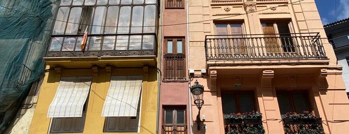 La Estrecha is one of Valencia bares.