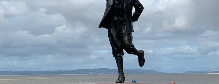 Eric Morecambe Statue is one of Orte, die Carl gefallen.