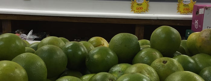 Supermercados Covabra is one of Locais curtidos por Fausto.