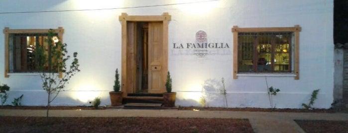 La Famiglia de Santis is one of Santa Cruz.